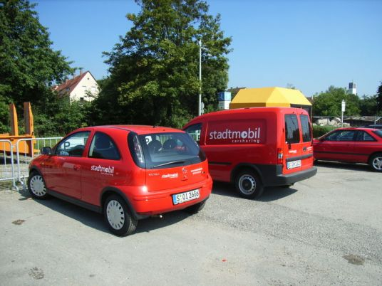 Zdieľané autá v Stuttgarte. Foto: Wikimedia Commons.